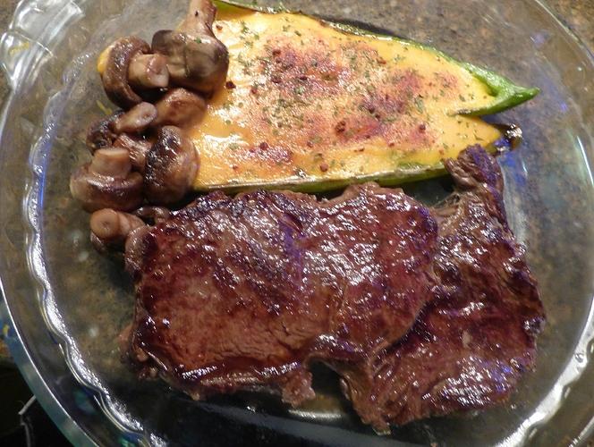 Steak%2C%20stuffed%20Anaheim%2C%20shrooms2